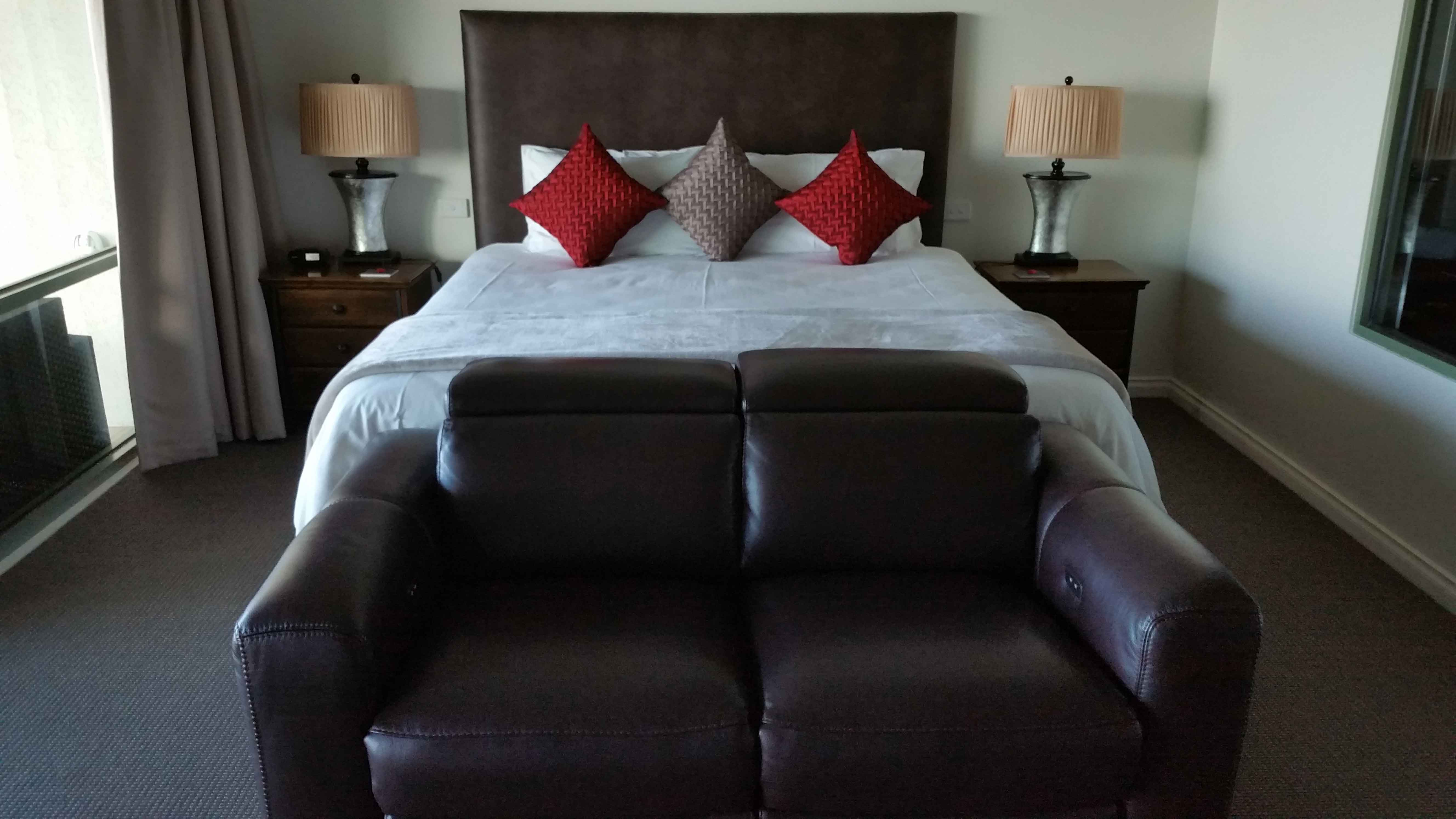 king-bed-chapman-suite