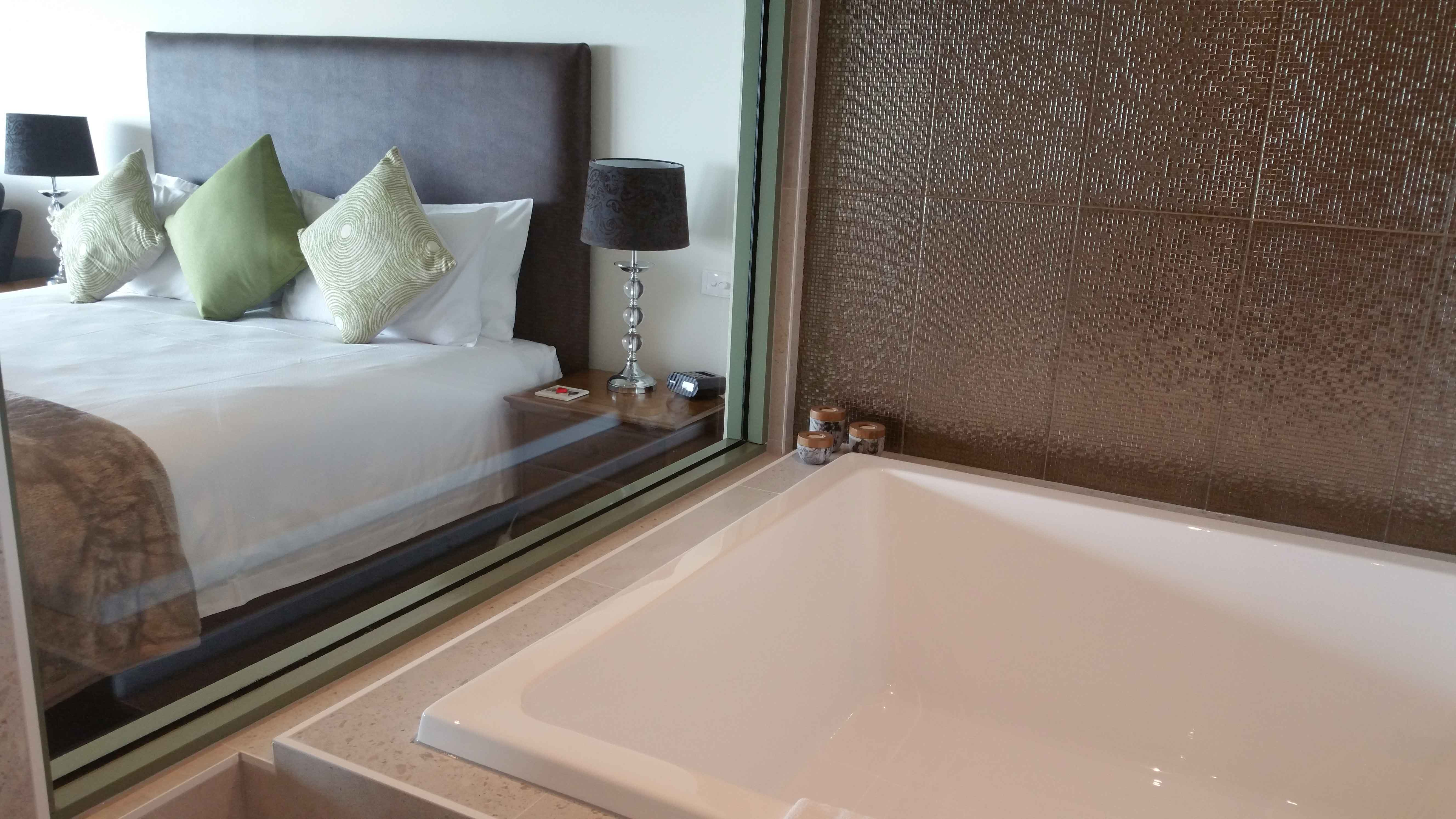 Bowen Suite Luxury Spa at Arthurs Views Couples Retreat Victoria