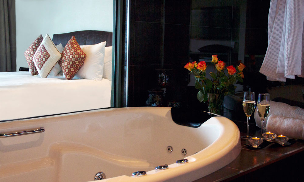 Arthurs Views Luxury Accommodation Relaxing Spa