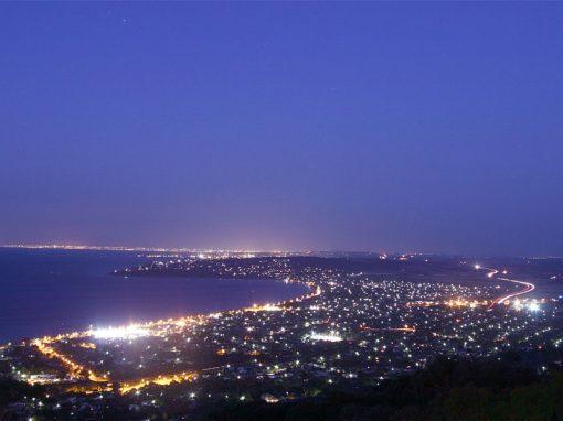 Arthurs Views Mornington Peninsula Accommodation, night time view